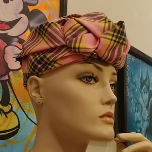 Gucci authentic pill box hat/turban.